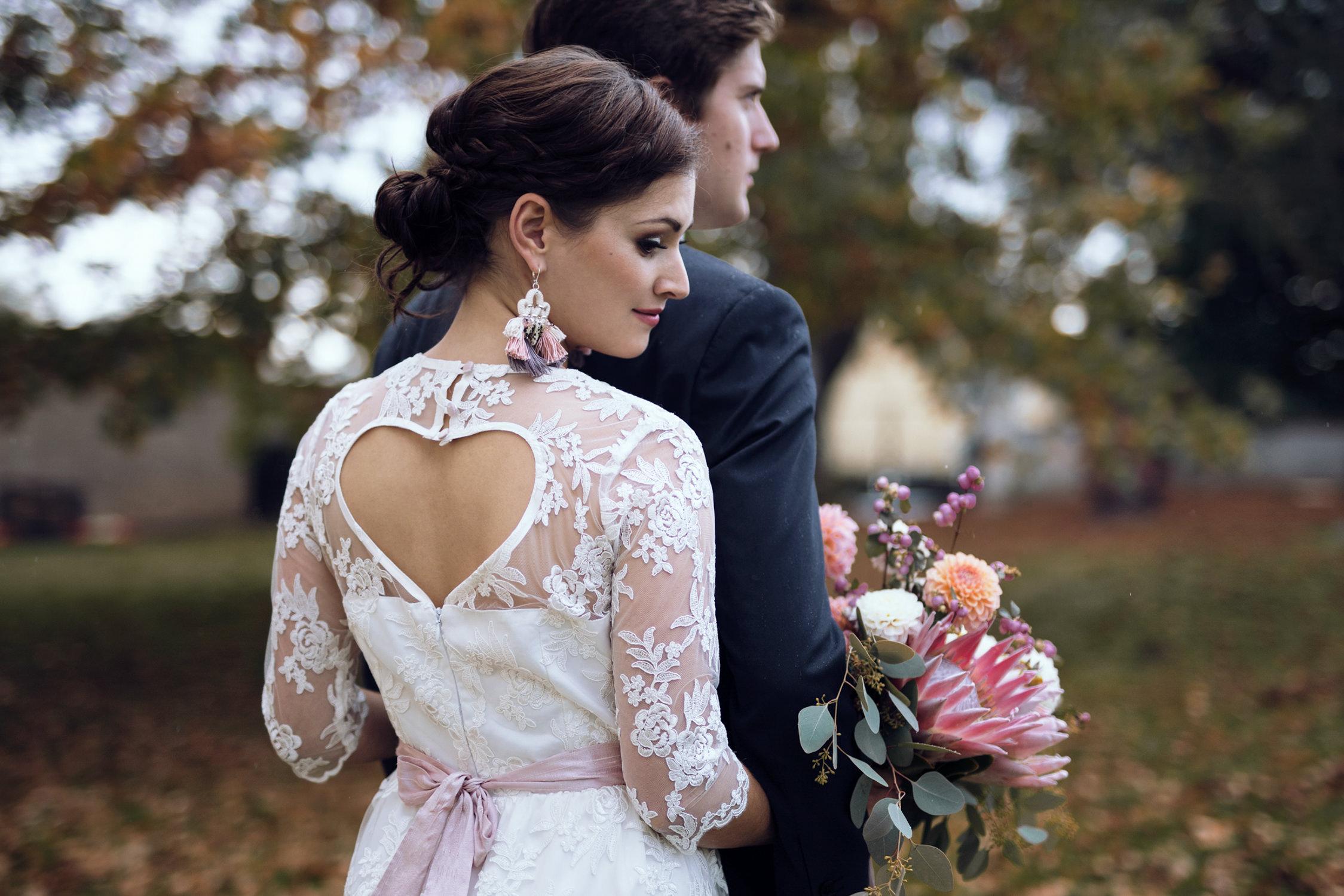 Entdecke romantische und gefühlvolle Hochzeitsfotos! Die Fotografin Sophia Molek fotografiert deine Trauung, deine Hochzeitszeremonie und deine Hochzeitsfeier in Leipzig, Sachsen und Umgebung.