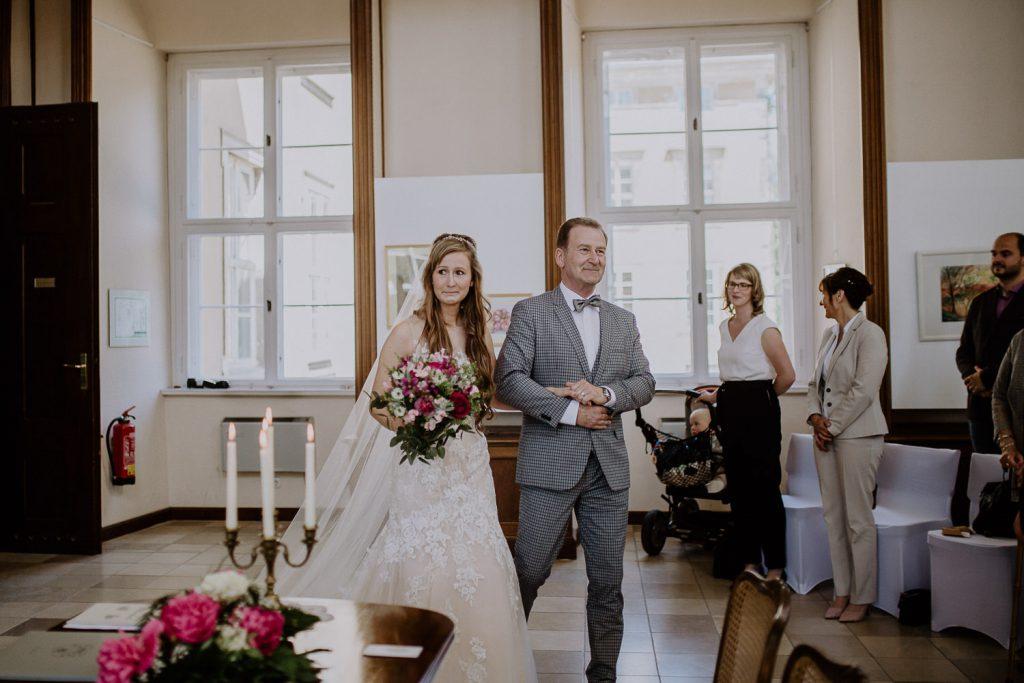 Roadtrip Wedding Bohemian im Orient Stil Kloster Buch Leipzig Sophia Molek Hochzeit in Sachsen Heiraten in Leipzig (2)